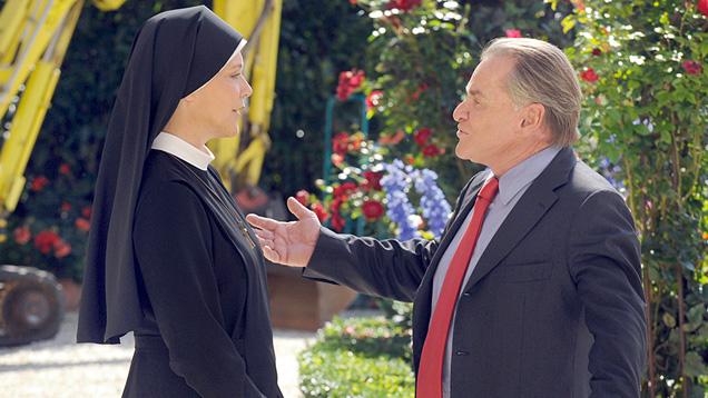 """Schwester Hanna und Bürgermeister Wöller führen einen liebenswerten Dauerkonflikt in der ARD-Serie """"Um Himmels Willen"""""""