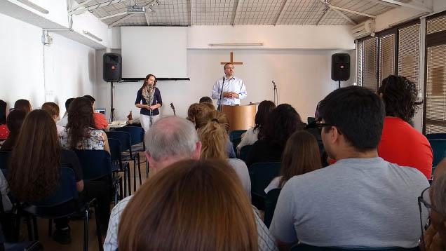 """Evangelikale Gemeinden hat die Radiosendung """"SWR2 Glauben"""" unter die Lupe genommen"""