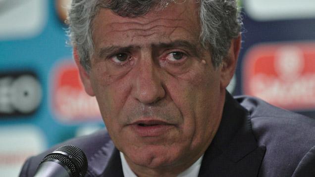 Portugals Trainer Fernando Santos ist regelmäßiger Kirchengänger