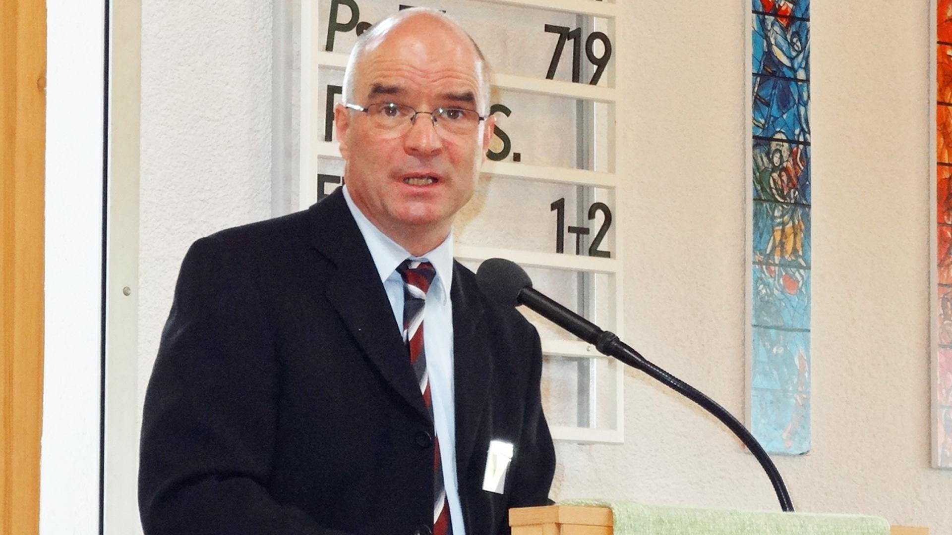 Manfred Müller von der Hilfsaktion Märtyrerkirche