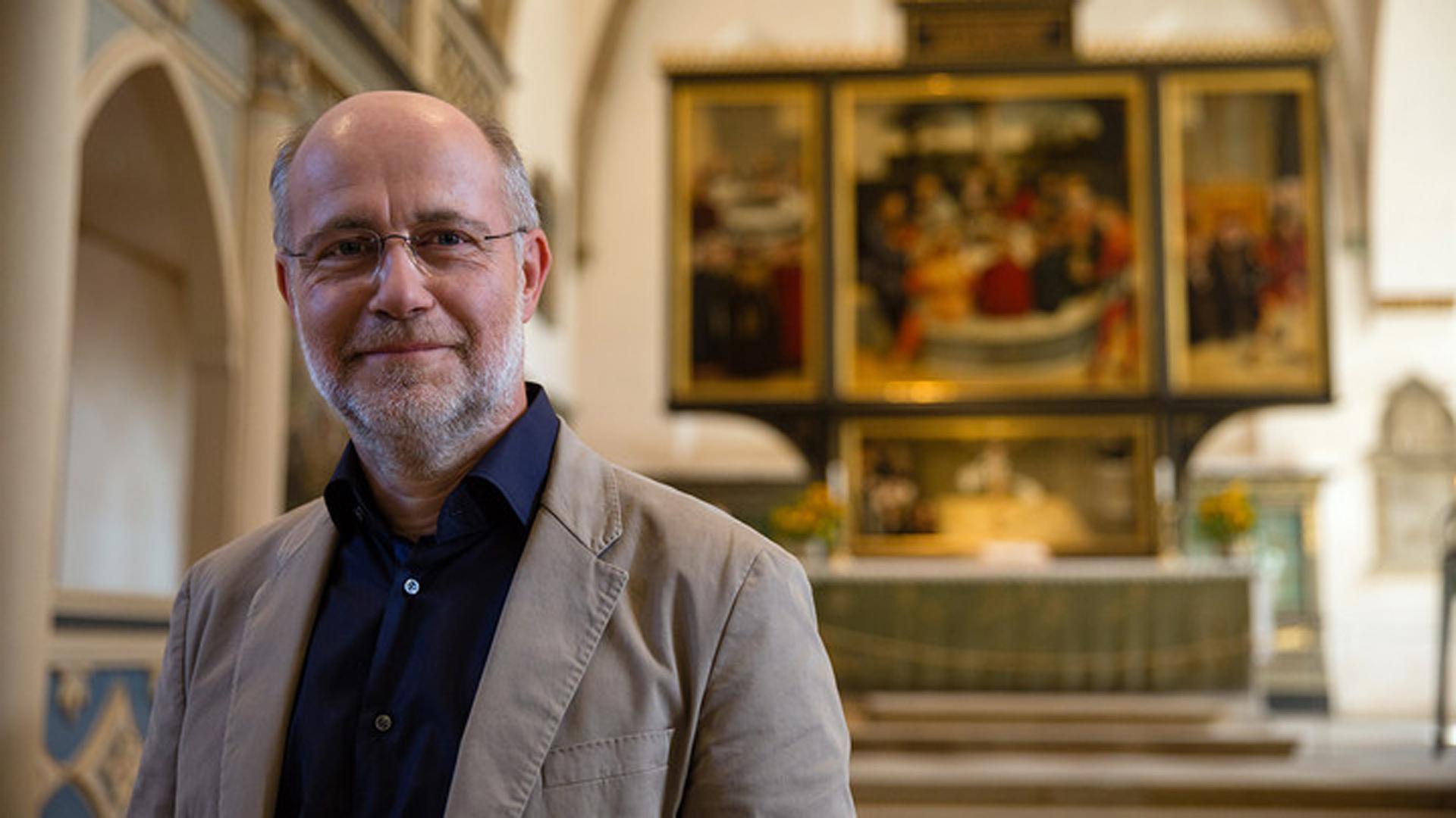 Harald Lesch begibt sich im Osterprogramm des ZDF auf die Spuren des Reformators Martin Luther. Es ist eines von vielen Formaten, in denen die Sender das Osterfest würdigen