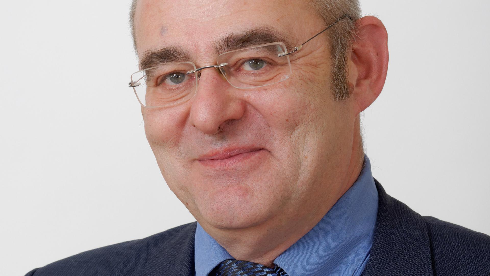 Ulrich Wilken ist Politiker der Partei Die Linke