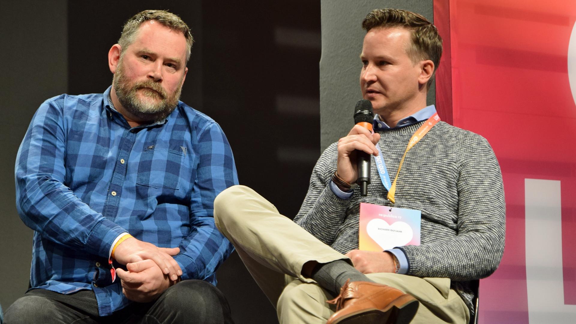 """""""Etwas ist entgleist"""": (v.l.) Die Journalisten Stefan Niggemeier und Richard Gutjahr sprachen bei der Re:publica über das Verhältnis zwischen Medien und Konsumenten"""