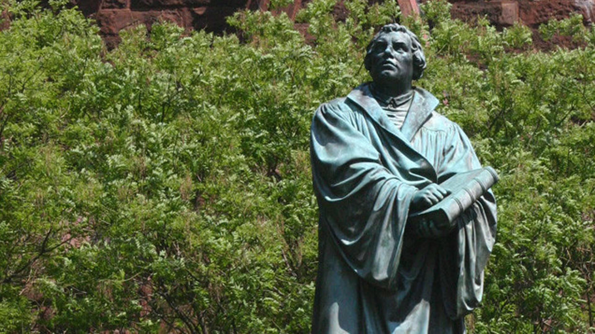 Martin Luther wird in einer Hörspielreihe des MDR zum Leben erweckt. Er soll die PR-Kampagne zum Reformationsjubiläum zum Leben erwecken