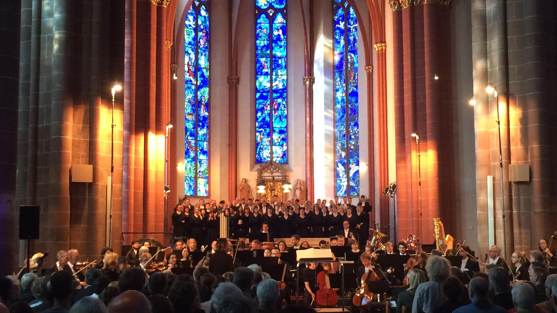 Die Mainzer Pfarrkirche St. Stephan bot der Uraufführung der Deutschen Messe eine würdige Kulisse