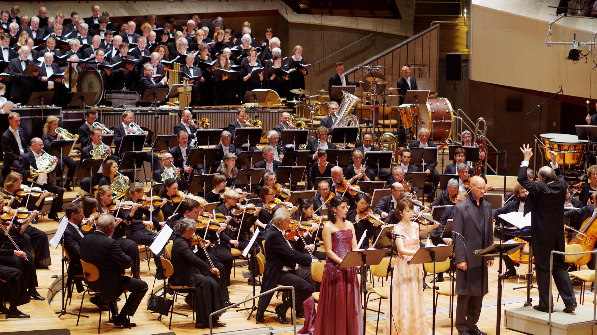 Uraufführung in der Berliner Philharmonie: Das Luther-Oratorium des Komponisten Daniel Pacitti mit Texten des Theologen Christian Meißner