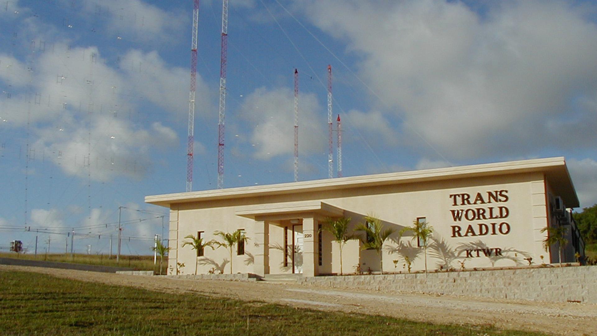 """Von der Radiostation auf Guam aus erreicht das """"Trans World Radio""""-Missionswerk Menschen in Asien, die ansonsten das Evangelium nicht hören könnten"""