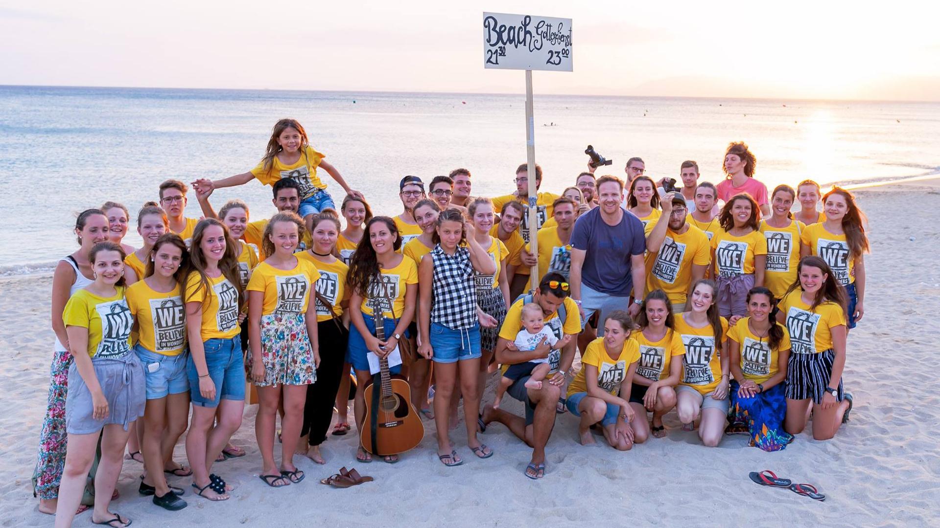 Die Jugendlichen sind für ihren missionarischen Einsatz nach Mallorca gereist