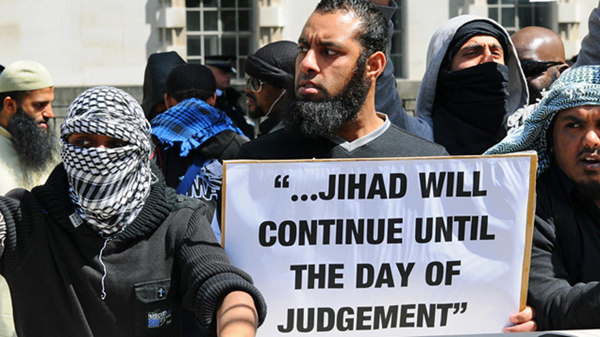 """Radikale Muslime drohen auf diesem Plakat: """"Der Dschihad geht weiter bis zum Jüngsten Tag"""" (Symbolbild)"""