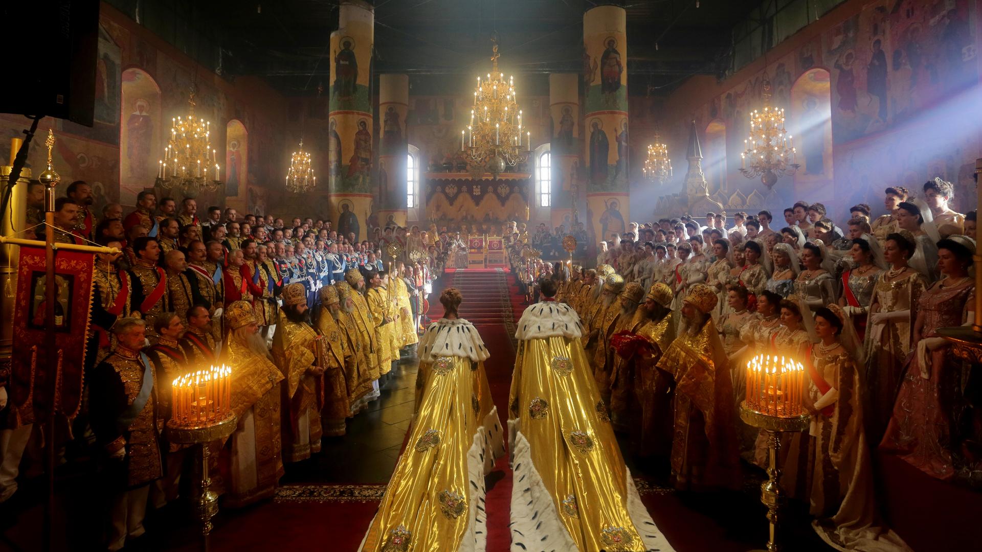 Die bombastische Krönungszeremonie des Zars Nikolaus II.