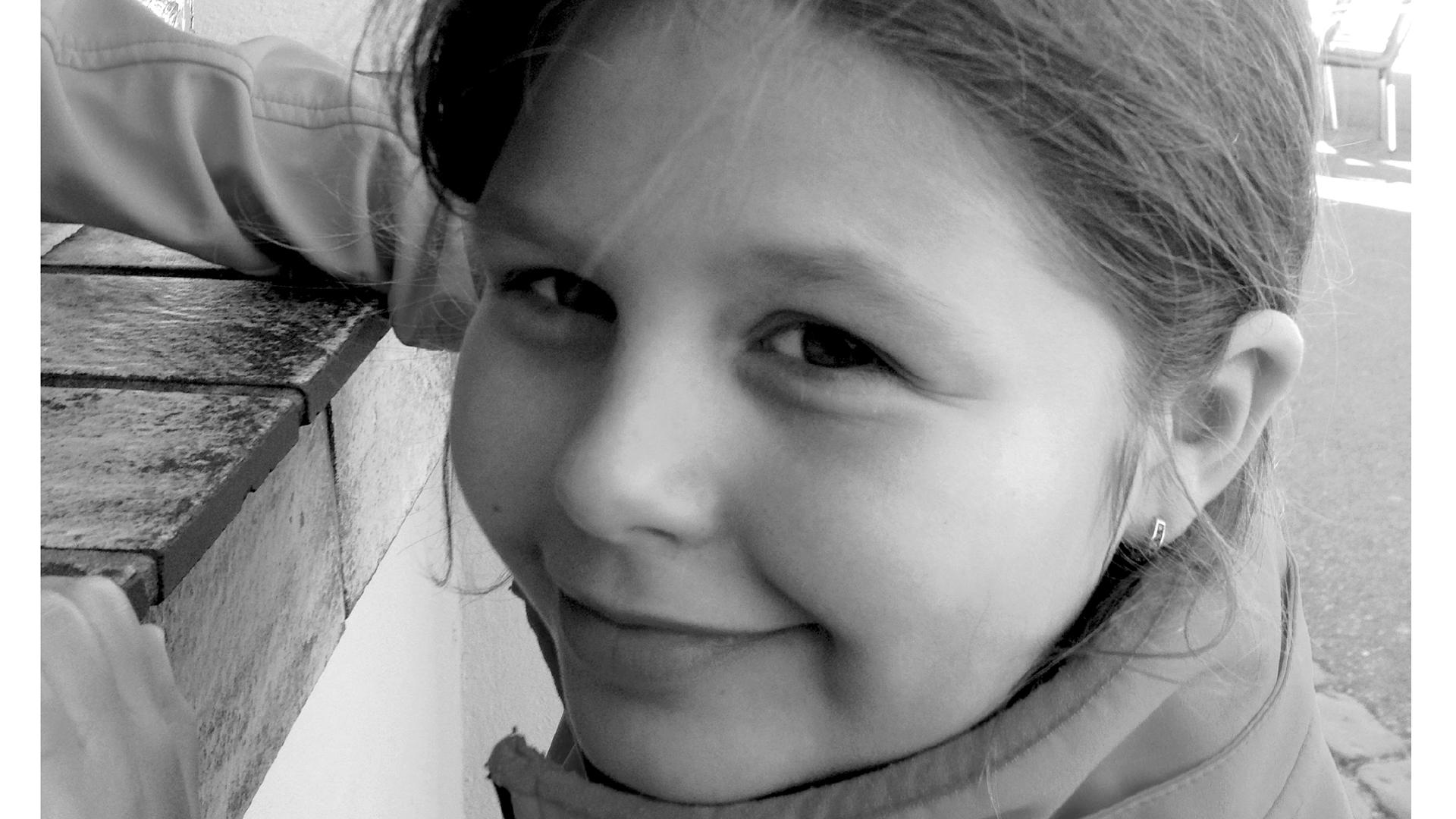 """Das letzte Porträt von Sara: Arne Kopfermann postete das Urlaubsfoto mit der Bildunterschrift """"Sara ... Cola holen!"""" am 2. September, dem Tag vor dem Unfall, auf Facebook"""
