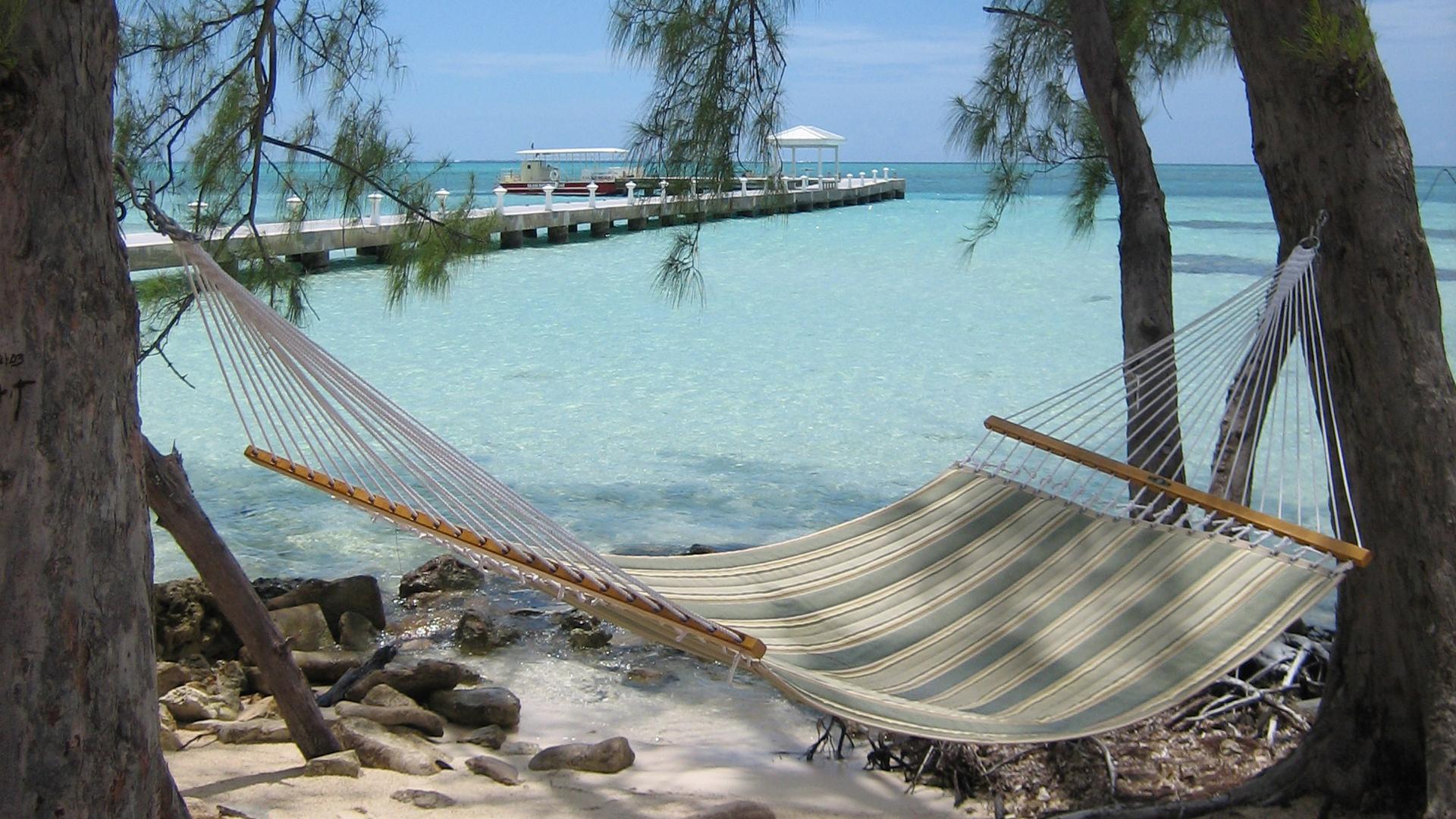 Ein Strand auf den Cayman Islands: Die Inselgruppe in der Karibik gilt als Steueroase.
