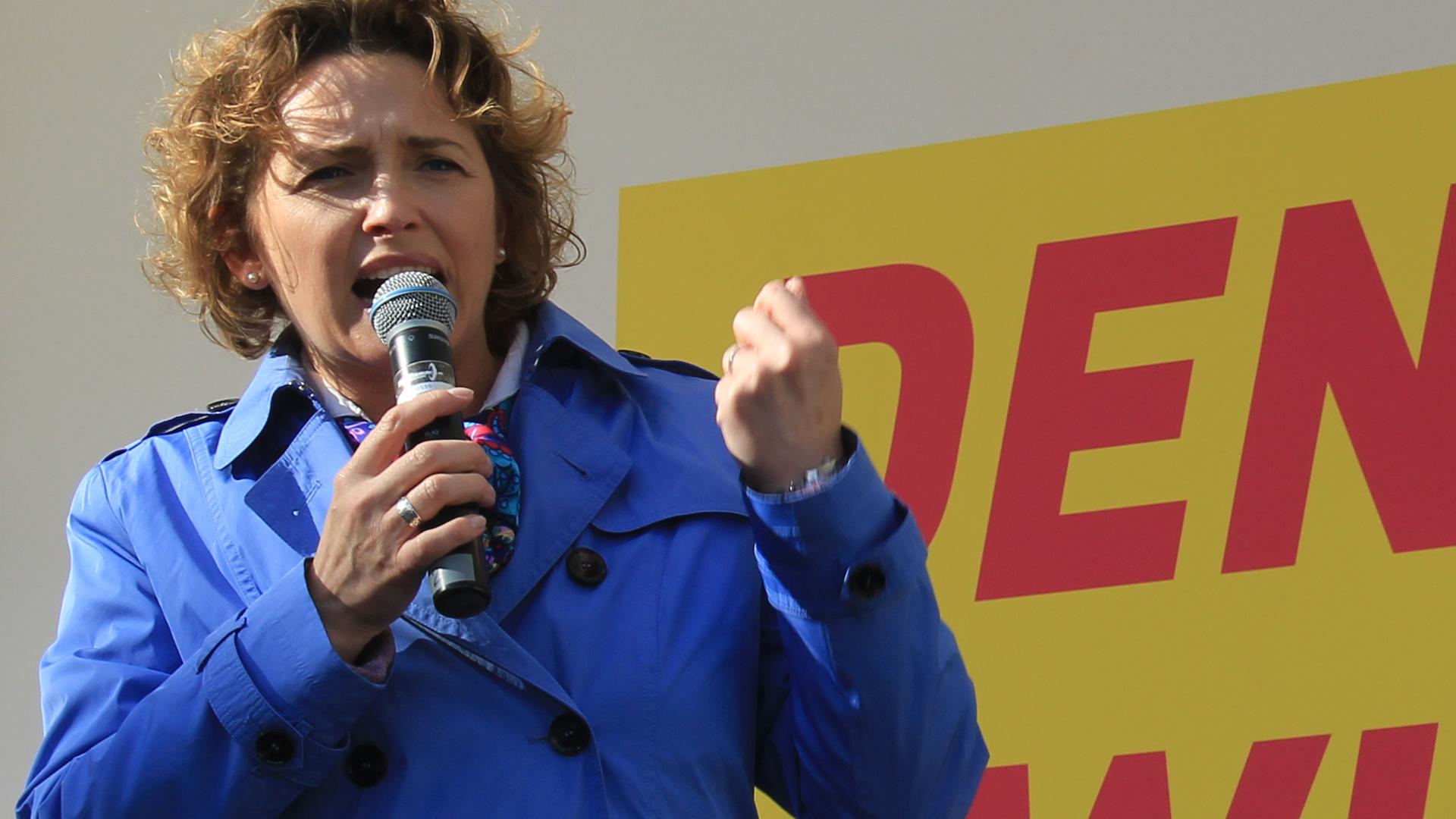 Nicola Beer, hier im Wahlkampf, ist seit 2013 Generalsekretärin der FDP und war seit 1999 – mit Unterbrechung – Abgeordnete im hessischen Landtag.