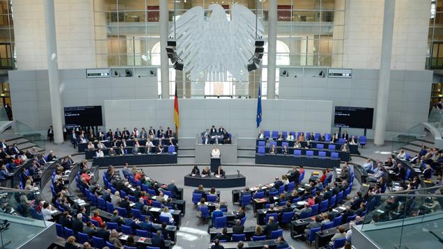 Nur rund die Hälfte der Abgeordneten des Deutschen Bundestages bekennt sich zum christlichen Glauben