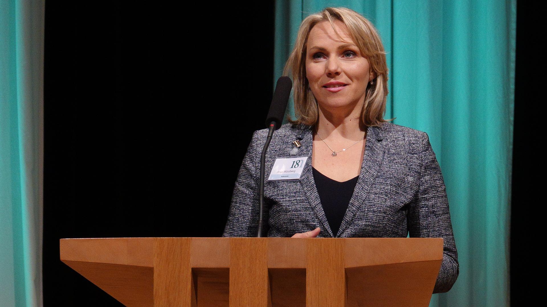 Anja Würzberg leitet seit 2014 die Fernsehredaktion Religion und Gesellschaft beim NDR