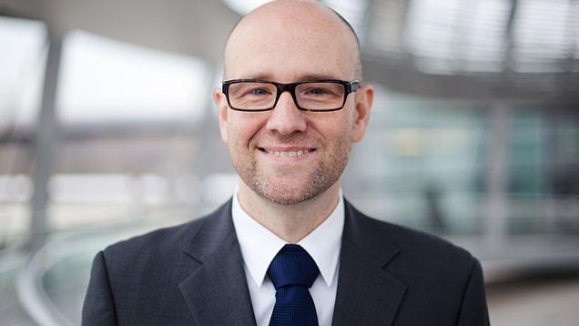 Der CDU-Generalsekretär Peter Tauber ist am Donnerstag aus dem Bundeswehrkrankenhaus in Berlin entlassen worden