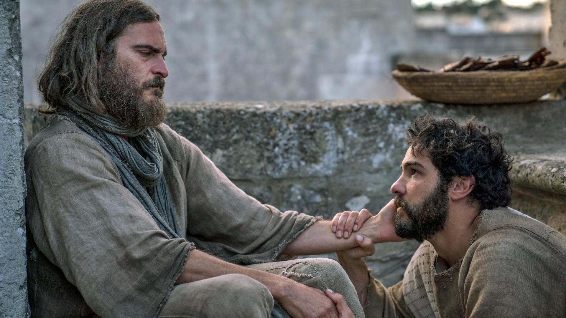 Jesus (Joaquin Phoenix) und Judas (Tahar Rahim) verbindet in dieser Version der Jesusgeschichte vieles. Dennoch verrät der Jünger seinen Herrn am Ende.