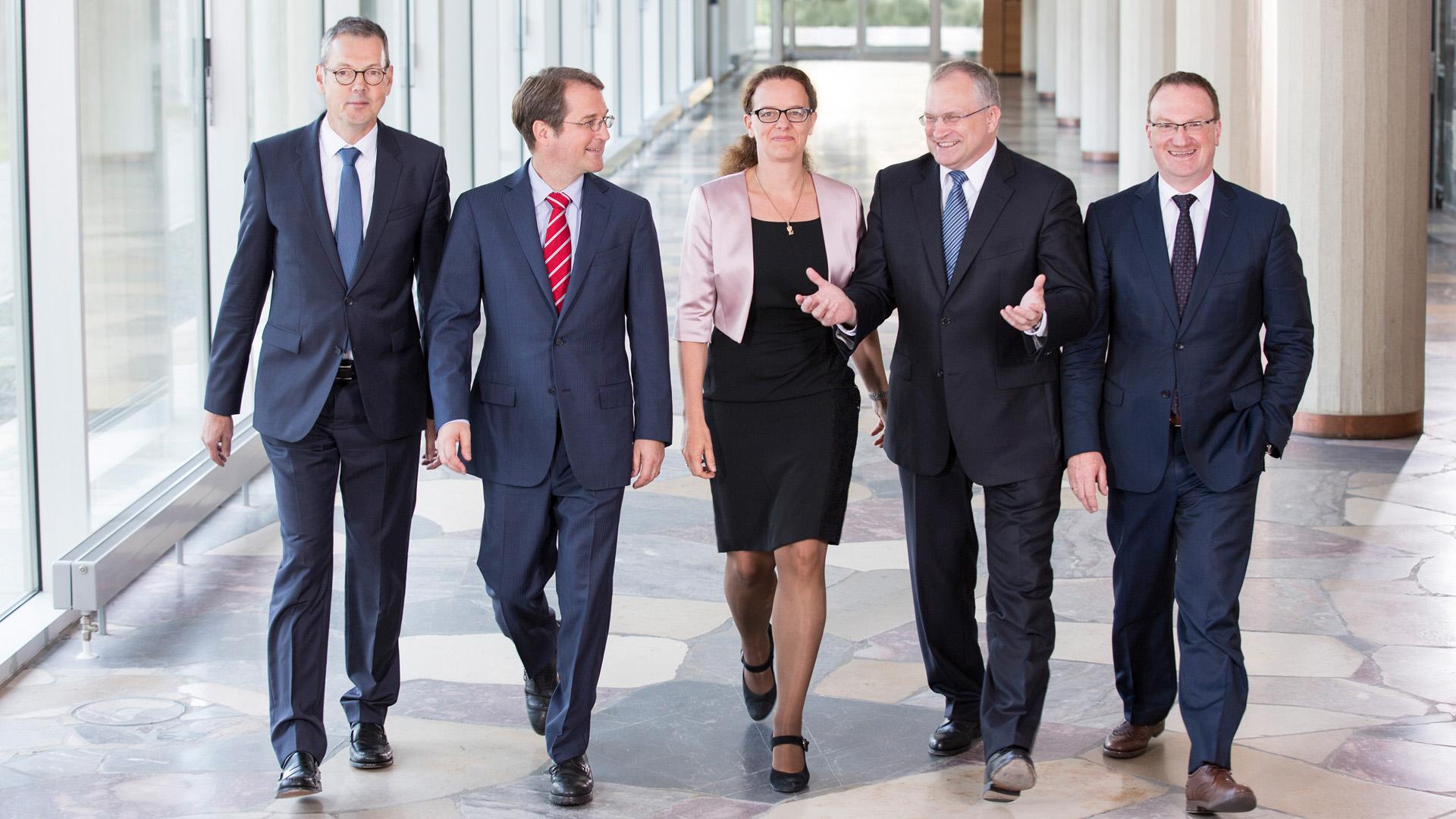 Vordenker 2018: Die Wirtschaftsweisen Peter Bofinger, Volker Wieland, Isabel Schnabel, Christoph M. Schmidt, Lars P. Feld (v.l.)