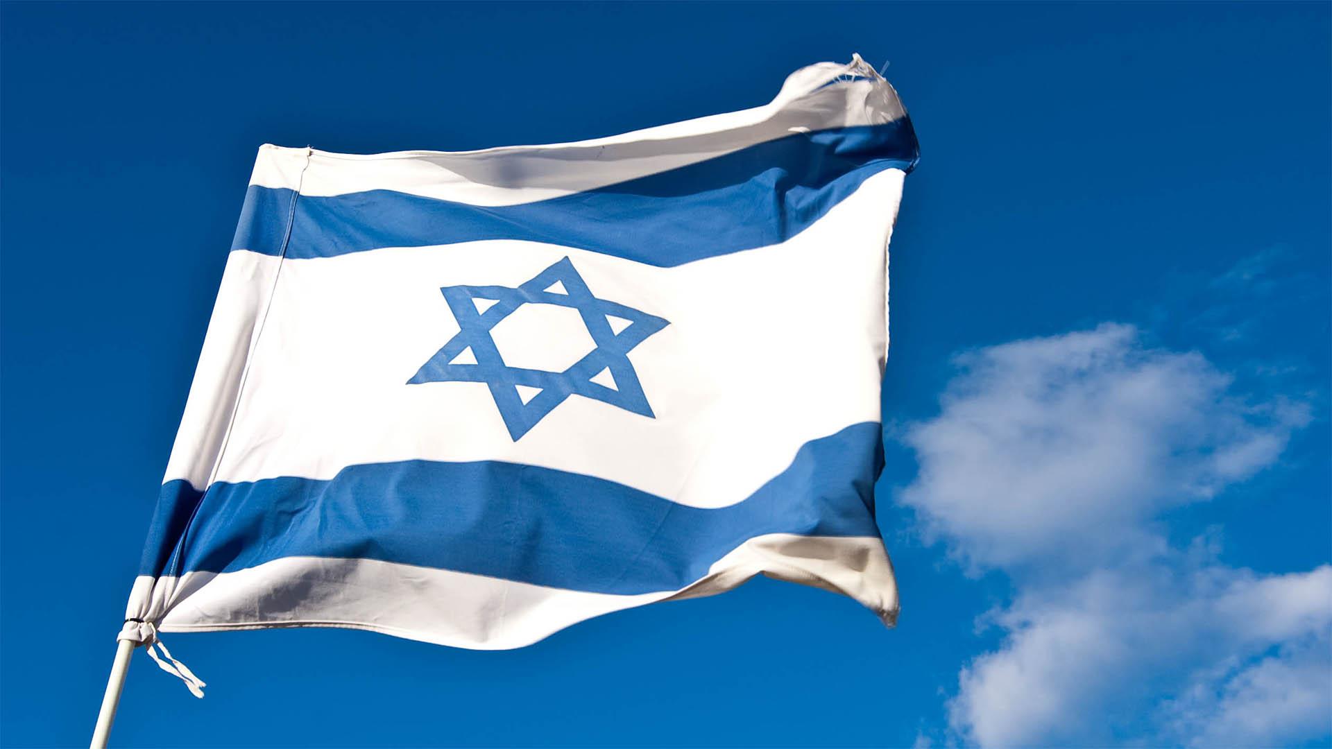 Alan Posener von der Tageszeitung Die Welt kritisiert einen Text des evangelischen Theologen Ulrich Duchrow, laut dem Israels Juden kein Recht auf ihre Heimat haben