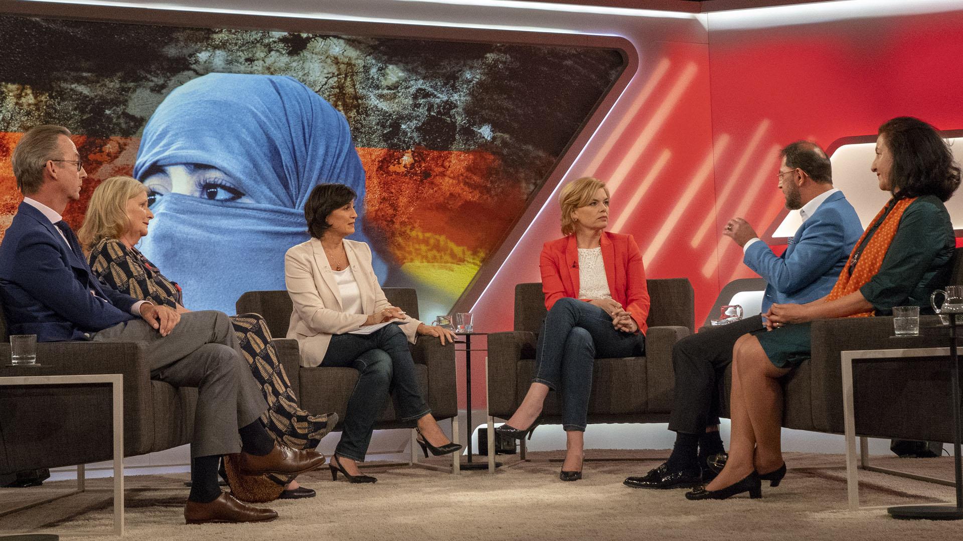 """Sandra Maischberger fragte in ihrer vergangenen Sendung: """"Die Islamdebatte: Wo endet die Toleranz?"""""""
