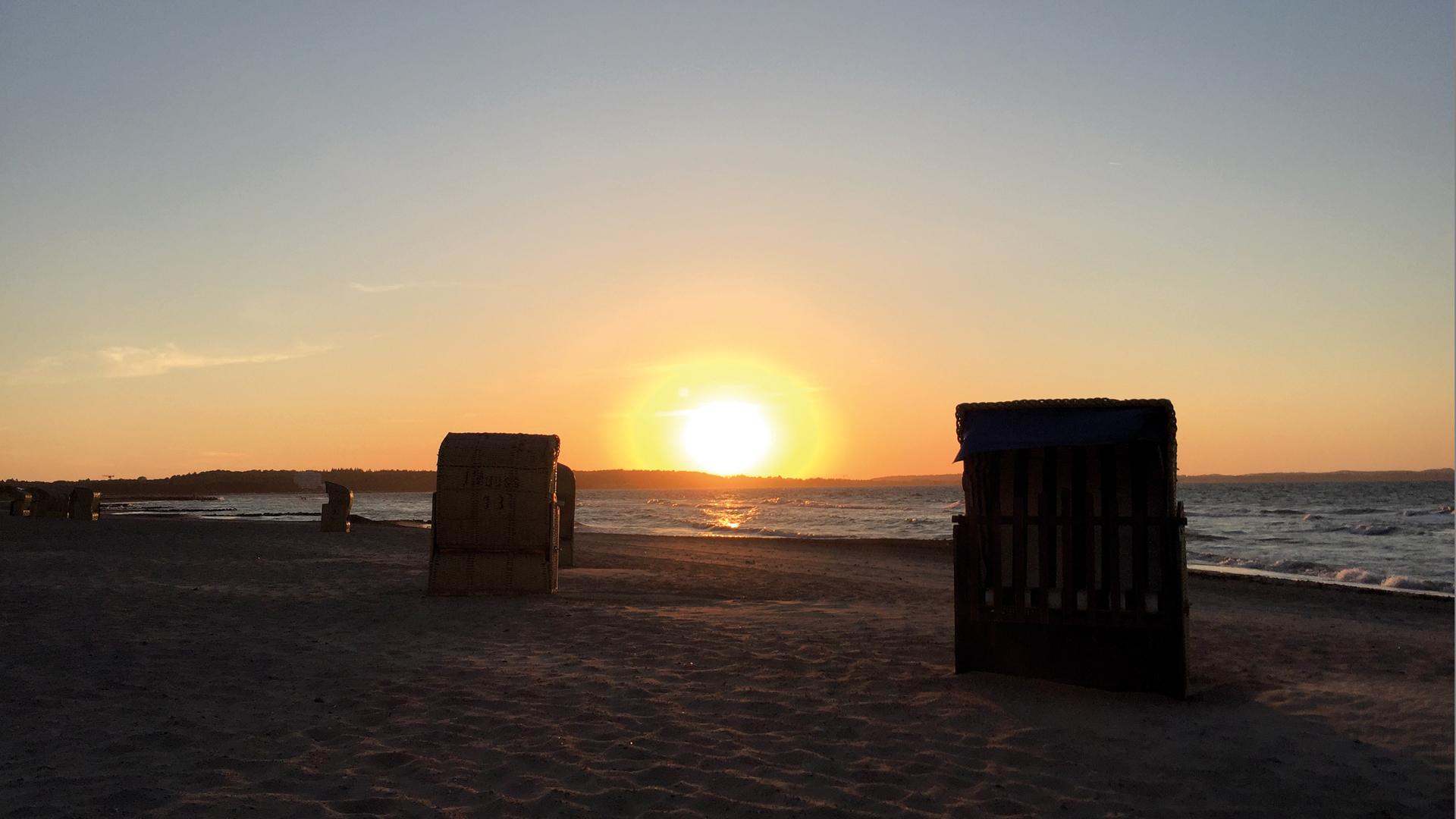 Sonnenuntergang am Strand von Niendorf