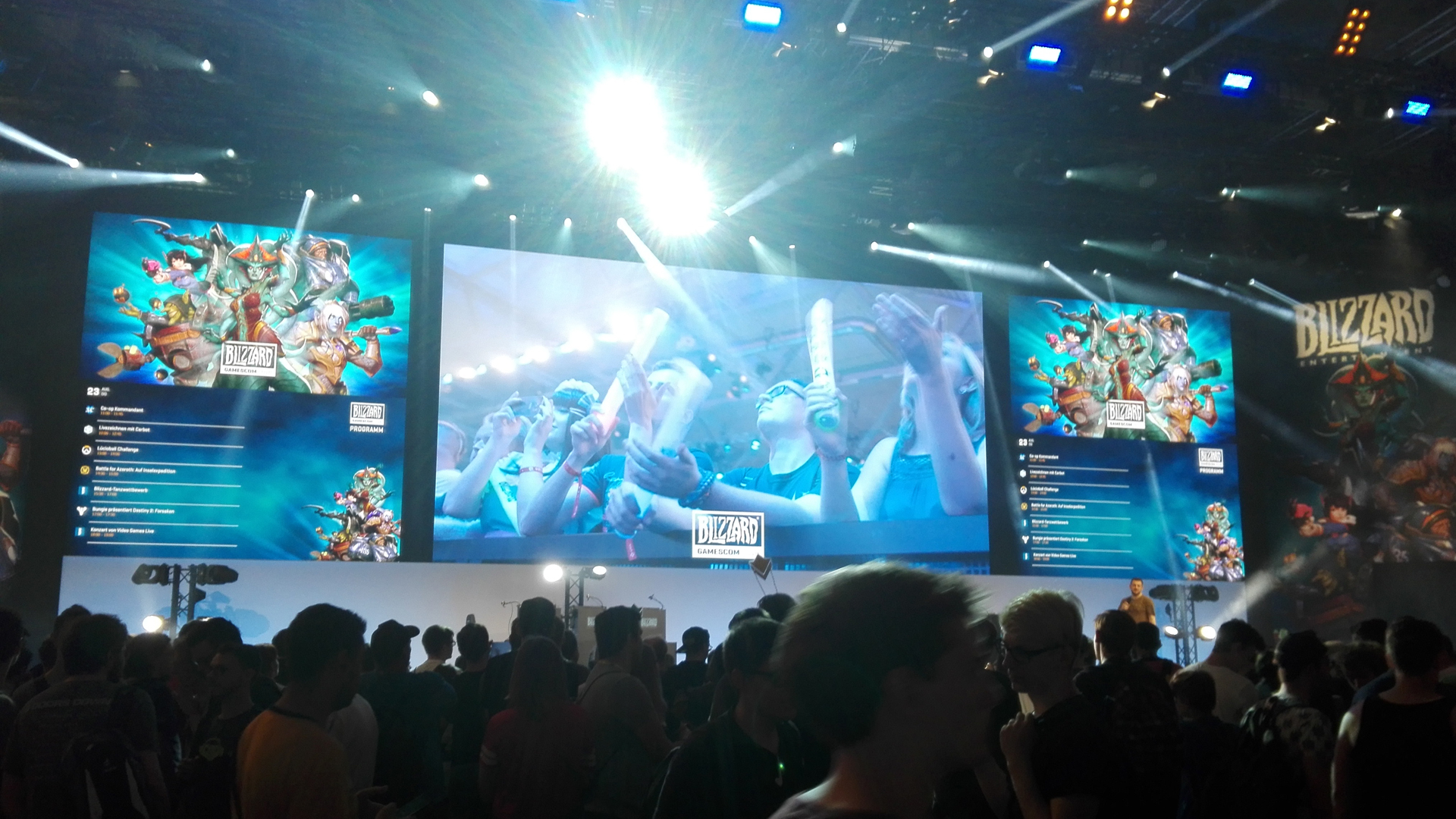 """Produktpräsentation des Entwicklerstudios """"Blizzard"""" auf der Gamescom. Der Ablauf erinnert an eine Liturgie."""