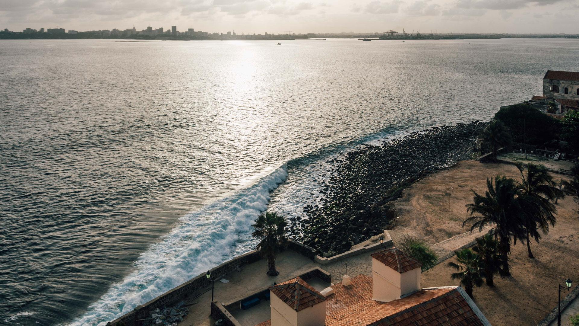 Ngor, ein Stadtteil der Hauptstadt Dakar, hat sich zu einem Magneten für Wellenreiter entwickelt.