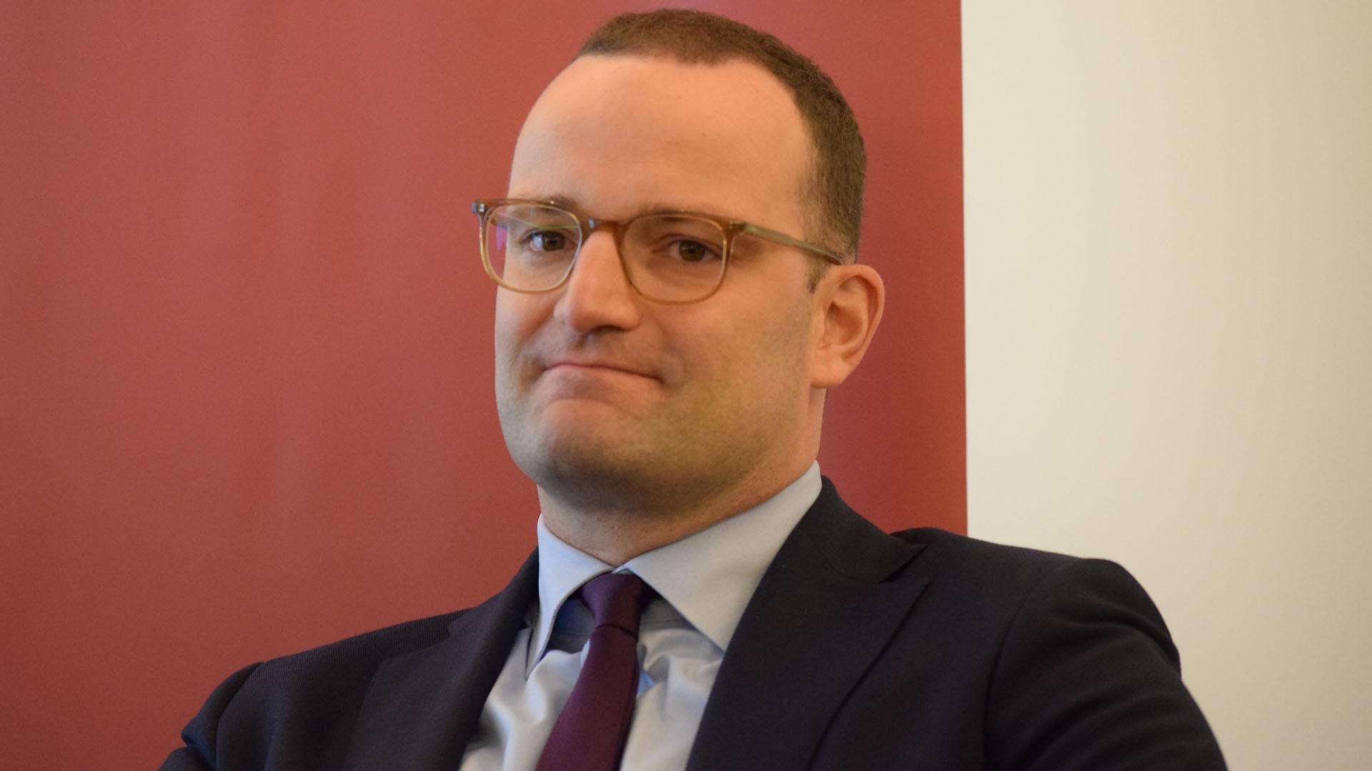 Gesundheitsminister Jens Spahn ist aktuell unter Beschuss. Auslöser ist ein Zitat von ihm, das aus dem Zusammenhang gerissen wurde.