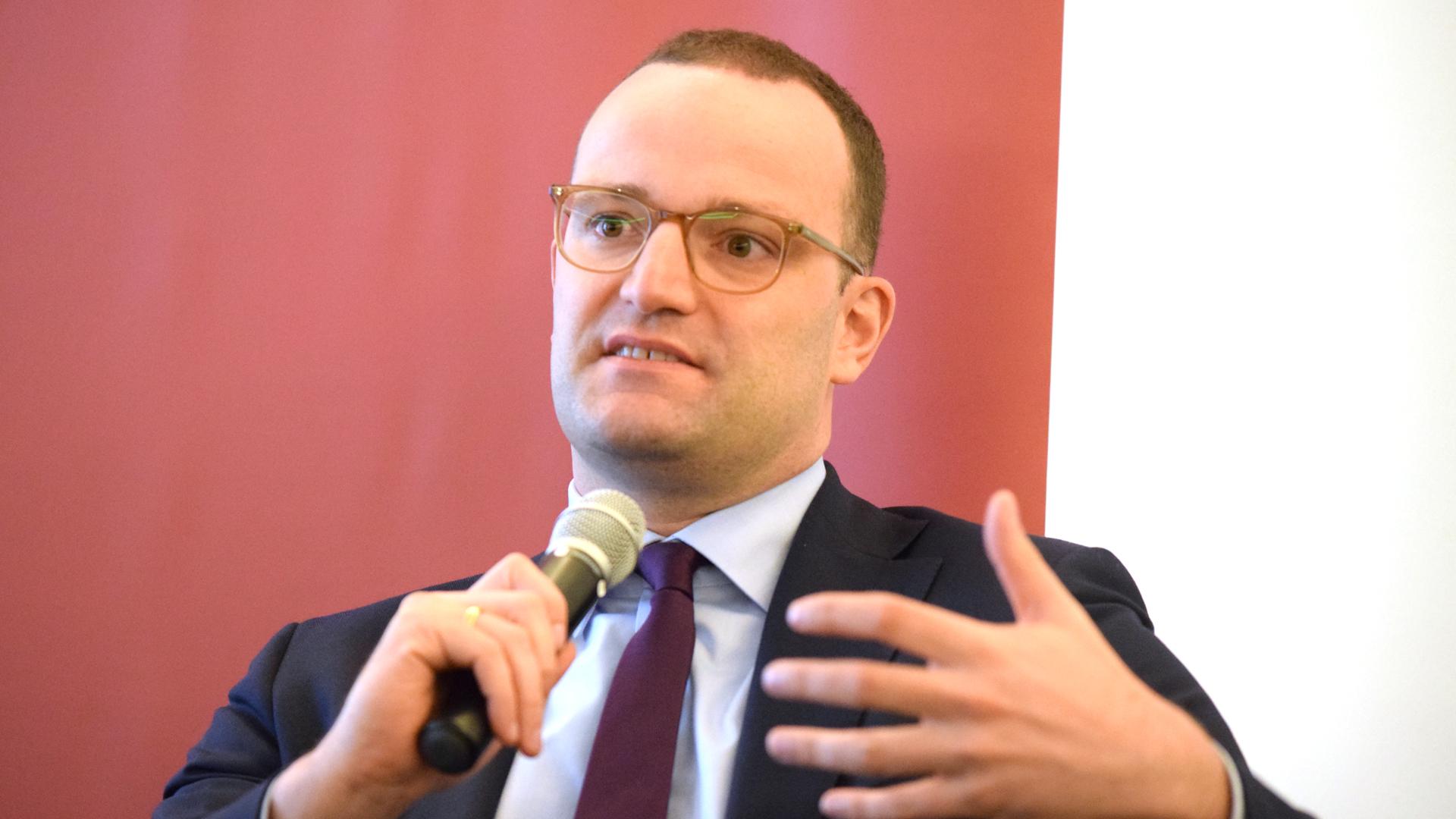 Jens Spahn hat Unterstützer für seine Neuregelung der Organspende. Doch es formieren sich auch Gruppen mit Gegenvorschlägen.