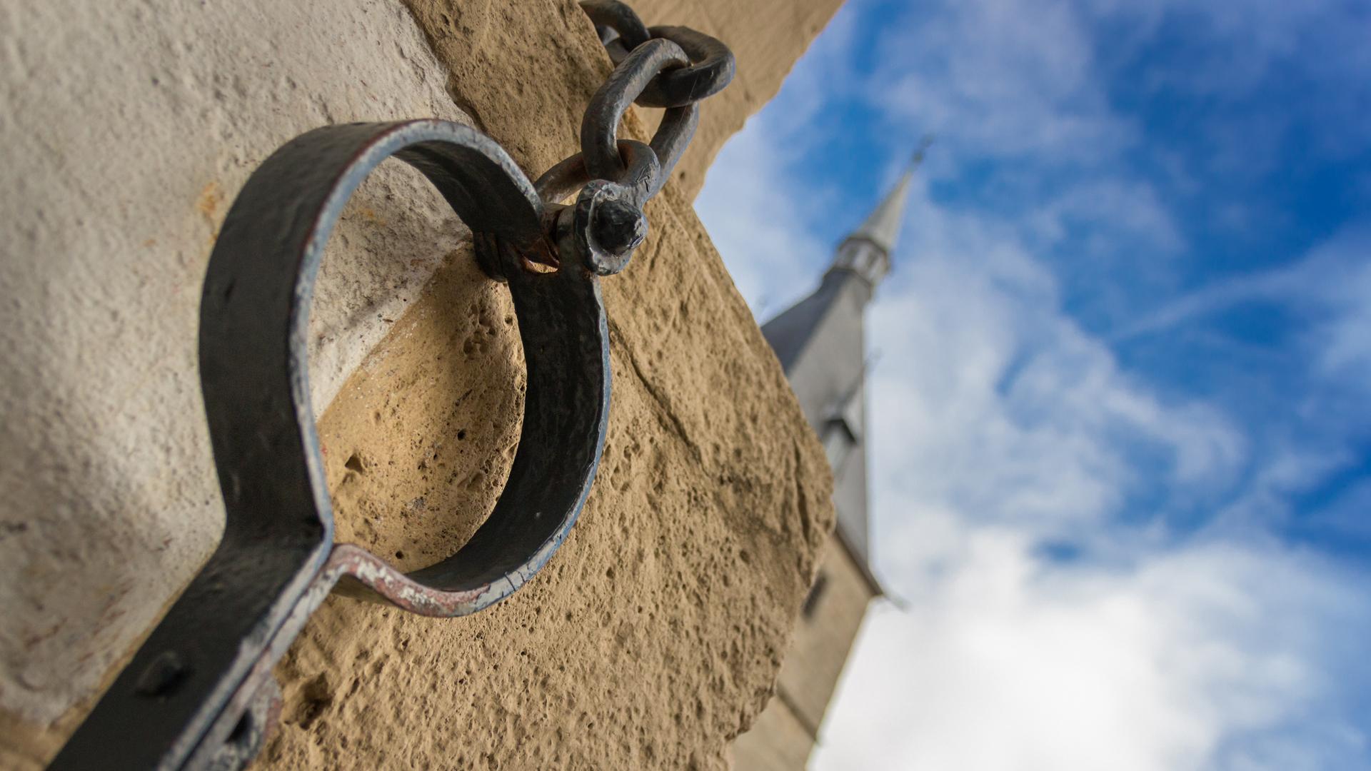 Der Pranger war im Mittelalter ein Zeichen der niederen Gerichtsbarkeit. Im Internet erlebt er eine Renaissance.