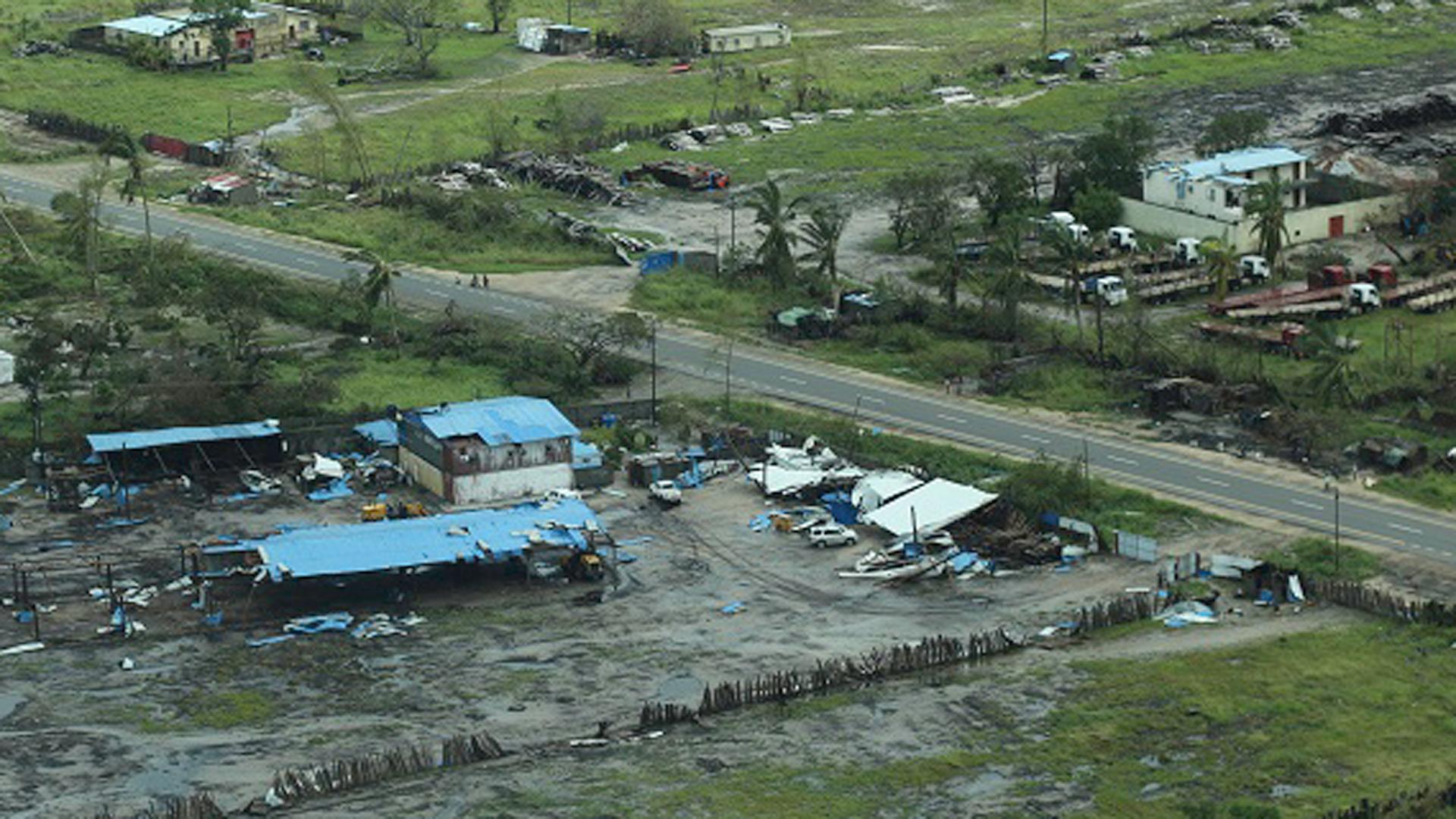 Ein tropischer Wirbelsturm (Zyklon) hat an der Küste Ostafrikas eine Schneise der Verwüstung hinterlassen. Hundertausende Menschen haben alles verloren.