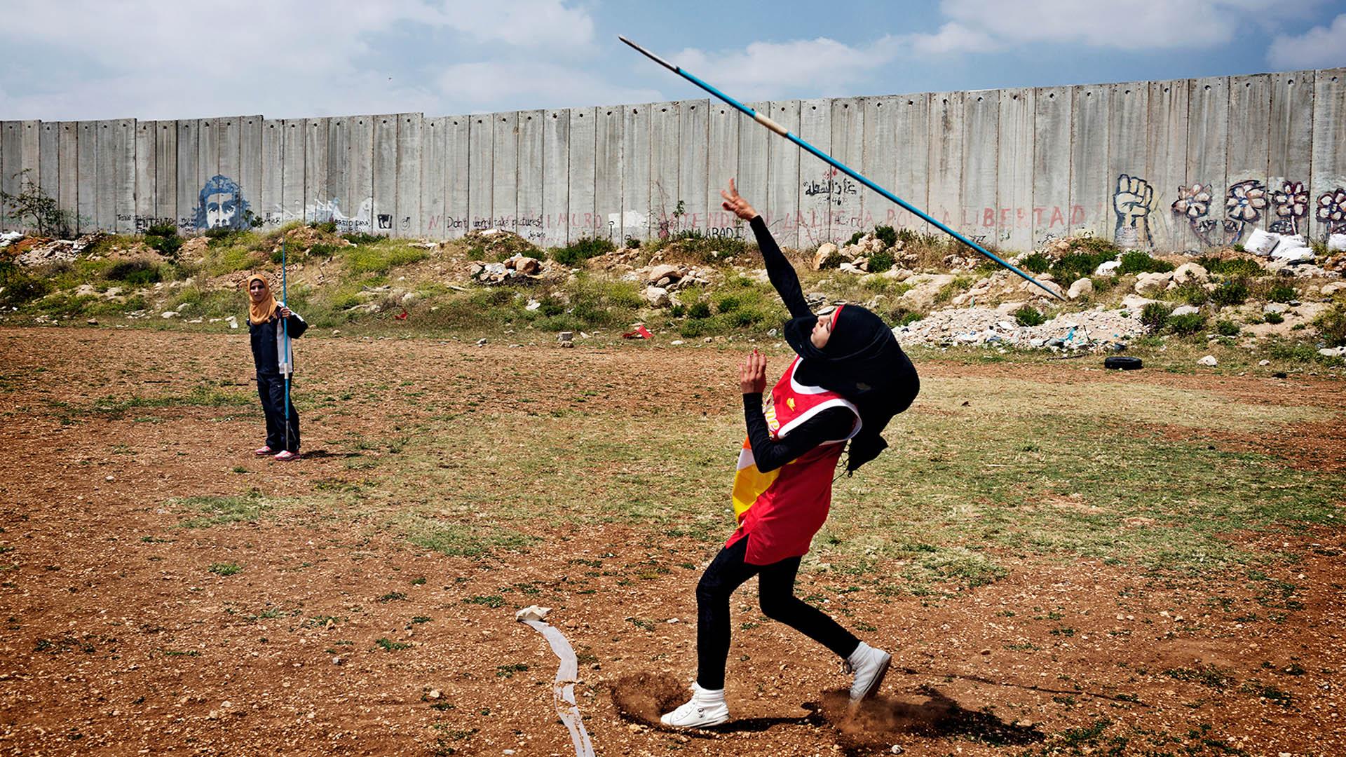 In manchen Ländern dürfen Frauen nur mit religionskonformer Kleidung Sport treiben