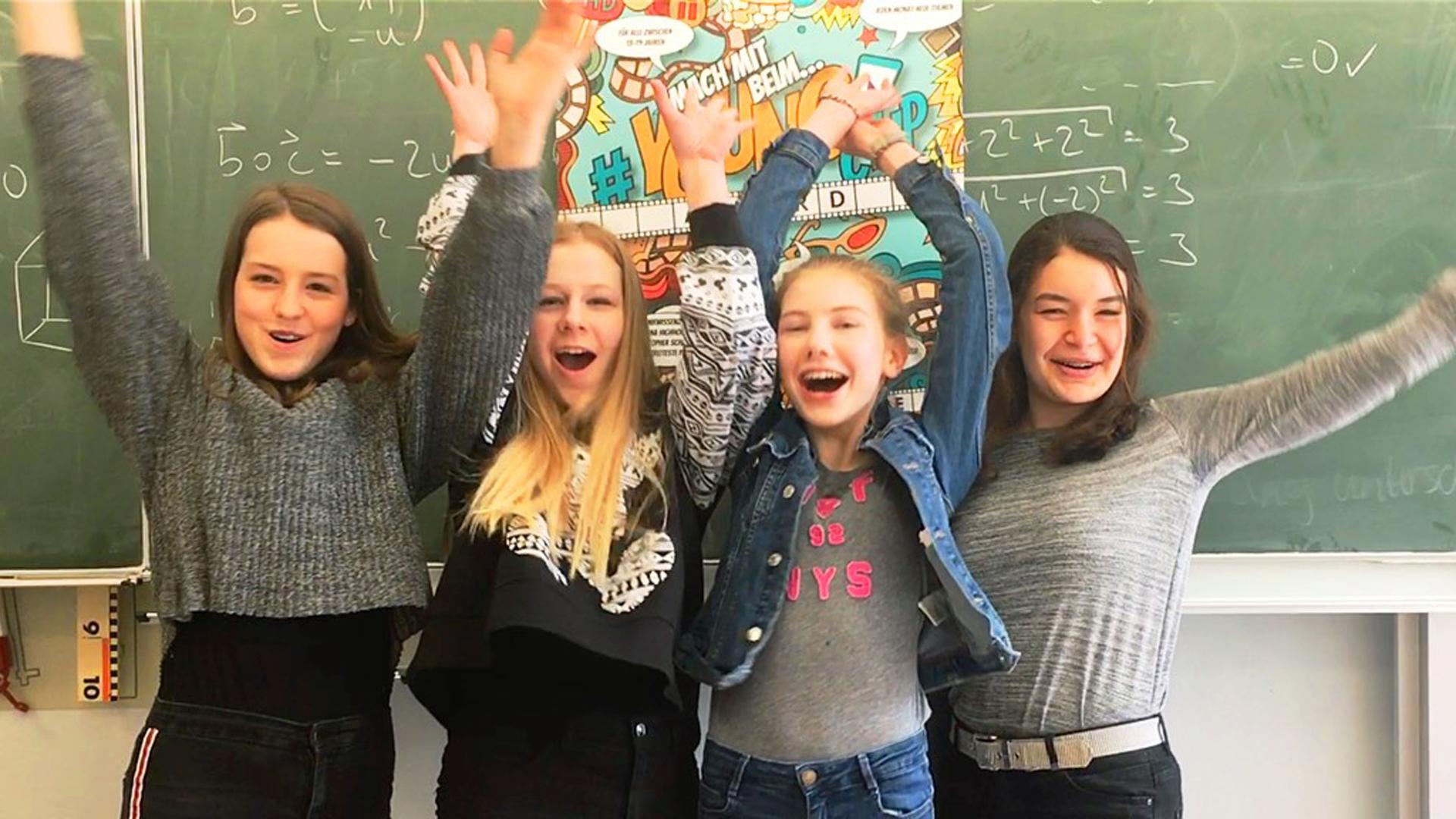 Diese vier Mädchen aus Offenbach haben die Hauptrolle in dem Gewinnerclip gespielt