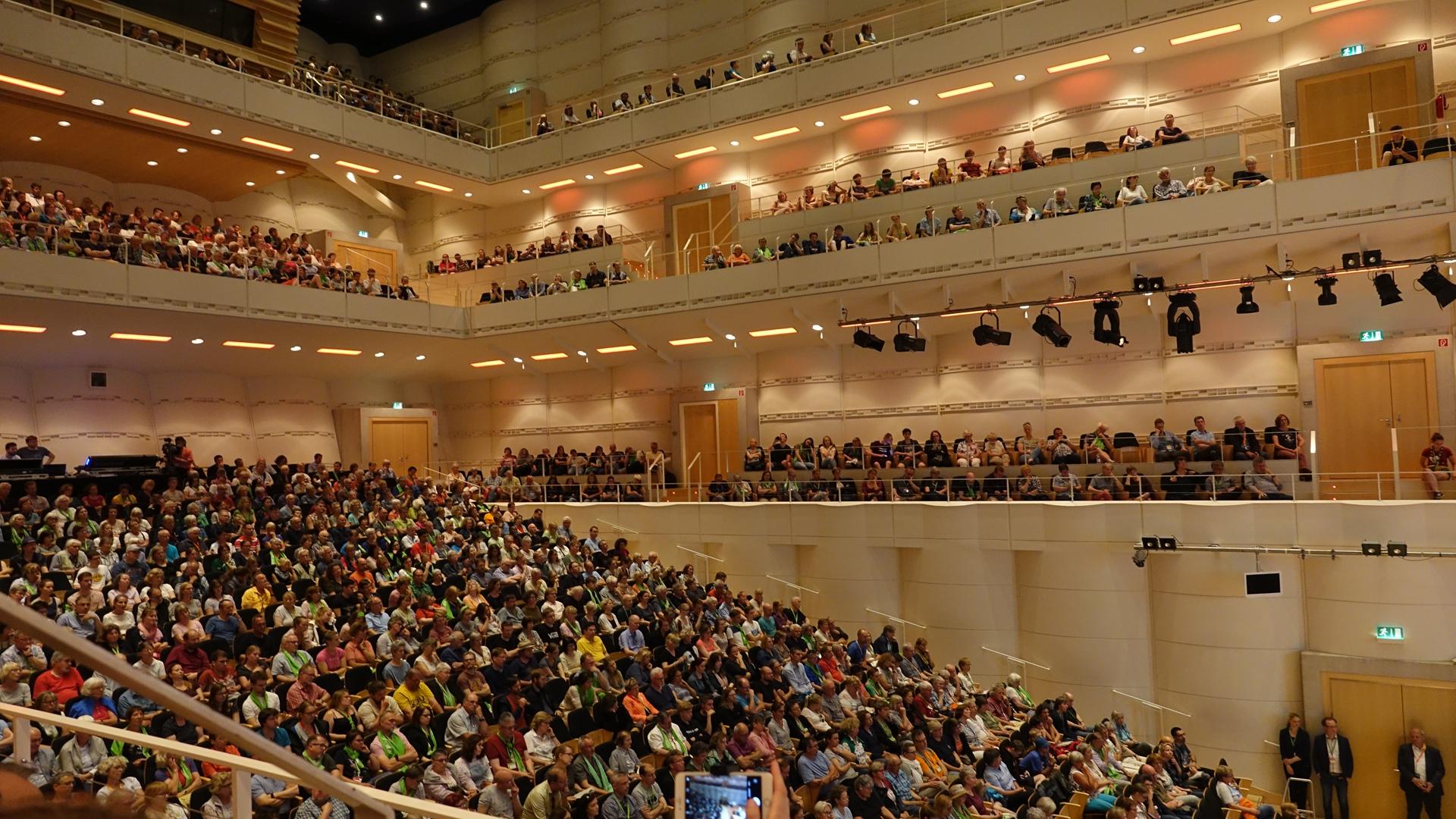 Das Dortmunder Konzerthaus wartet auf den Auftritt des ehemaligen Bundespräsidenten Joachim Gauck