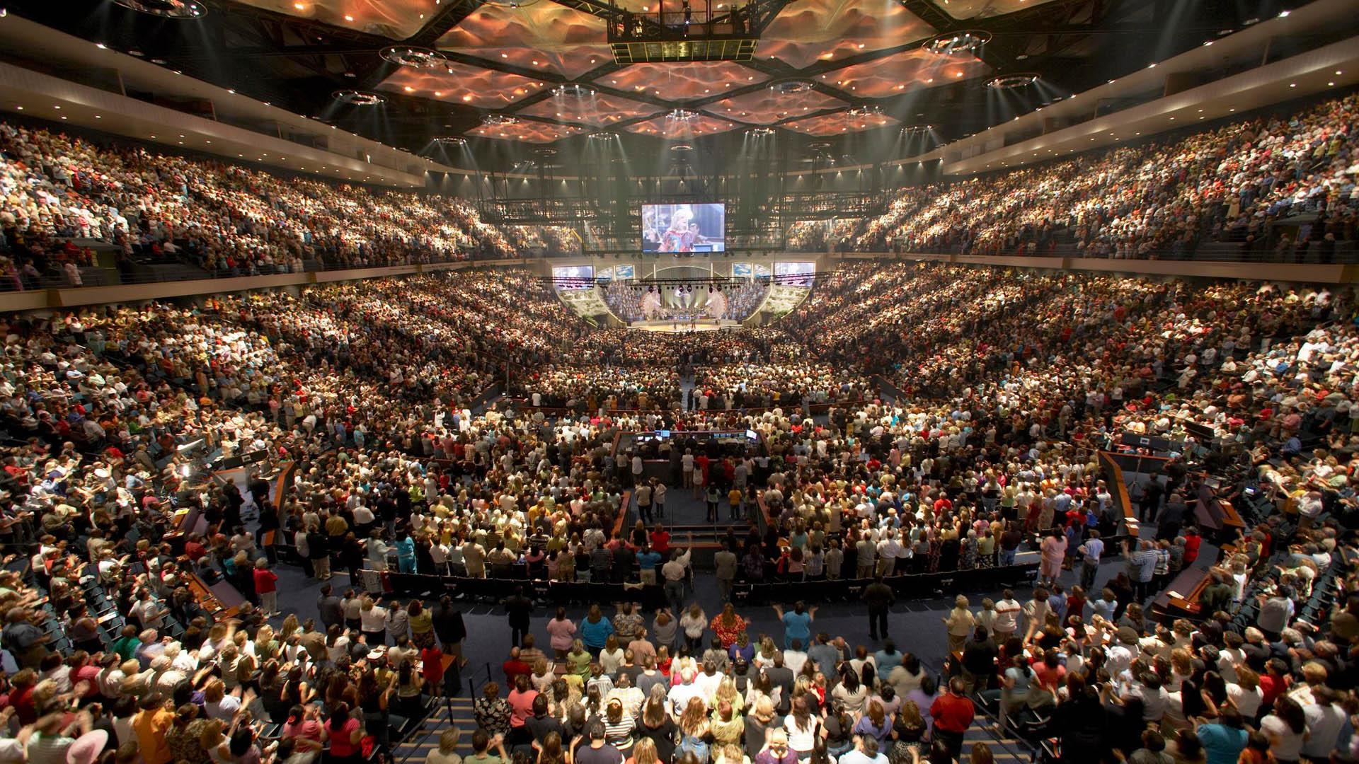 Rund 50.000 Besucher zieht die Lakewood Church wöchentlich an