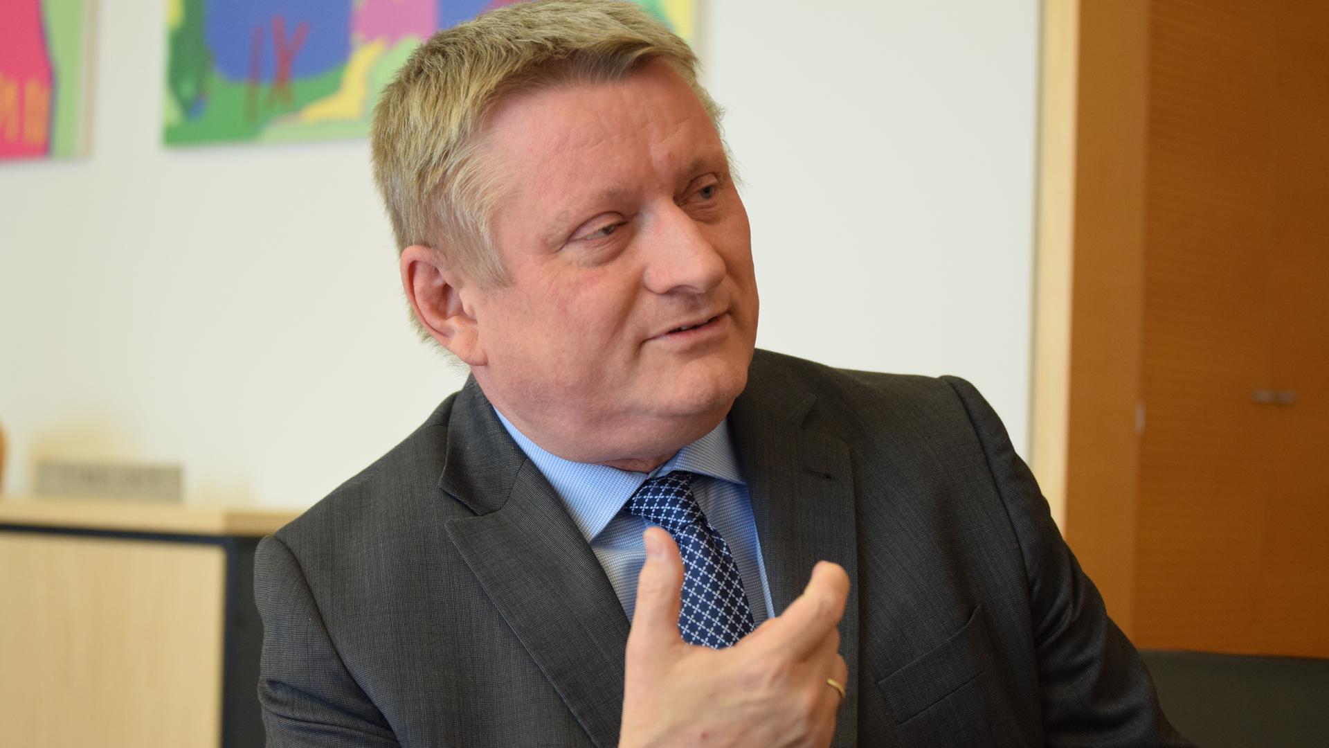 Hermann Gröhe hält nichts von dem Vorschlag seines Nachfolgers im Amt des Gesundheitsministers, Jens Spahn, zu einem neuen Organspendegesetz