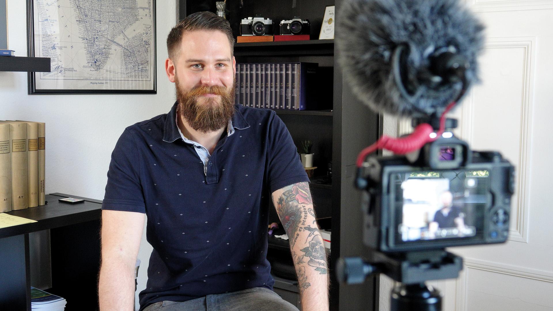 Gunnar Engel veröffentlicht jede Woche ein Video auf YouTube