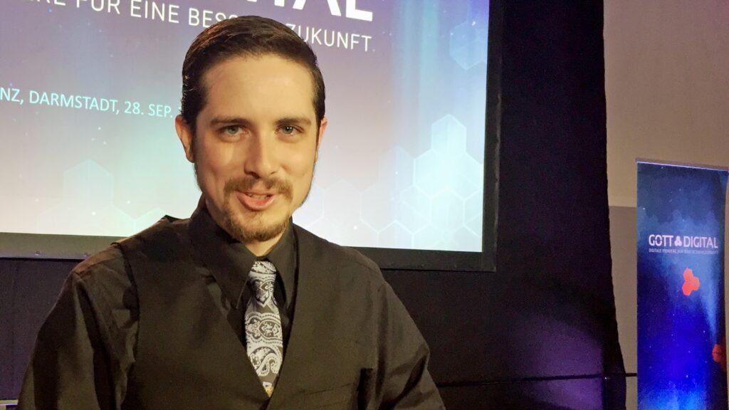 Liam Savage ist Mitbegründer und Leiter von Indigitous, einem Netzwerk von technik- und computerinteressierten Christen weltweit