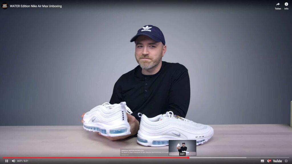 Nachdem die Firma den Schuh in verschiedenen Werbevideos angepriesen hatte, waren die 25 Exemplare binnen Minuten vergriffen