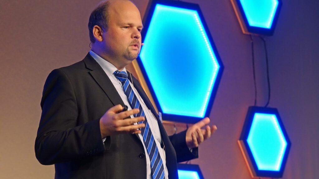 Christian Sterzik leitet die EKD-Stabsstelle für Digitalisierung