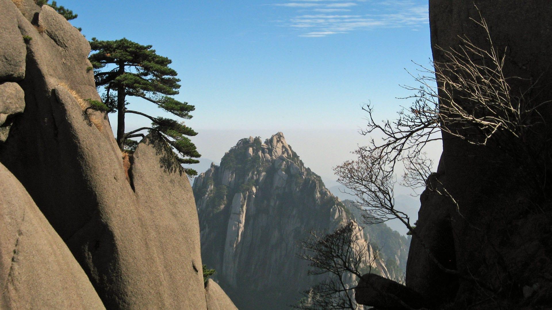 China kann mit beeindruckenden Landschaften wie dem Huangshan-Gebirge aufwarten