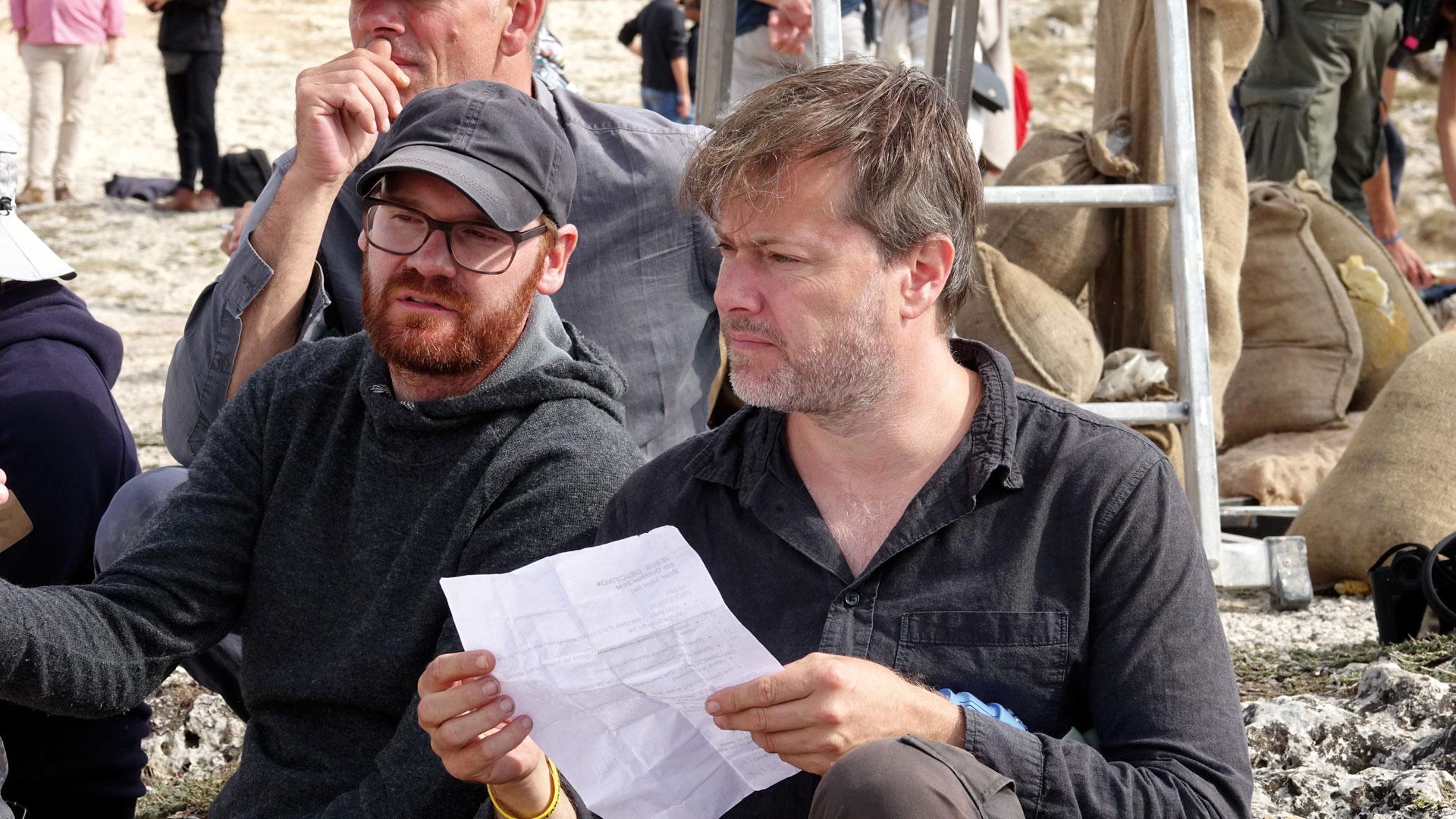 Regisseur Milo Rau (rechts) fand in dem Aktivisten Yvan Sagnet aus Kamerun einen guten Jesus-Darsteller