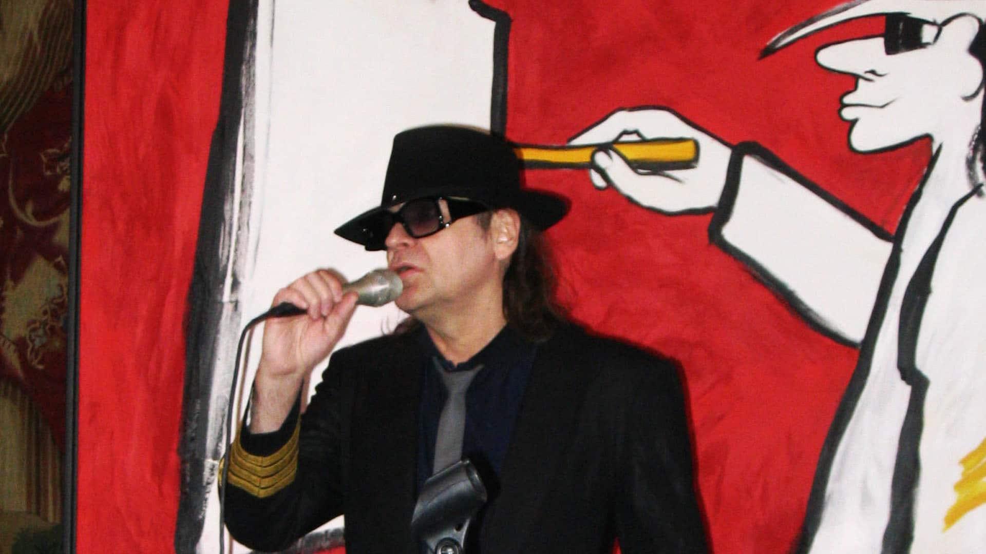 Der Künstler Udo Lindenberg: 2005 mit einem seiner Werke