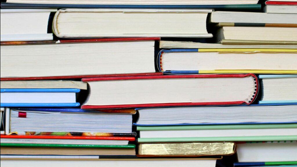 """Was mit Schallplatten begann, hat sich heute um Bücher erweitert: der christliche Buchclub feiert am 1. März seinen 60. Geburtstag. Anfänglich hieß das Angebot """"Schallplattengemeinschaft Frohe Botschaft im Lied""""."""