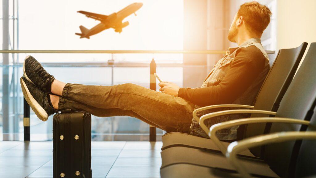 Das Auswärtige Amt warnt vor touristischen Reisen ins Ausland und drastischen Einschränkungen im internationalen Luft- und Reiseverkehr