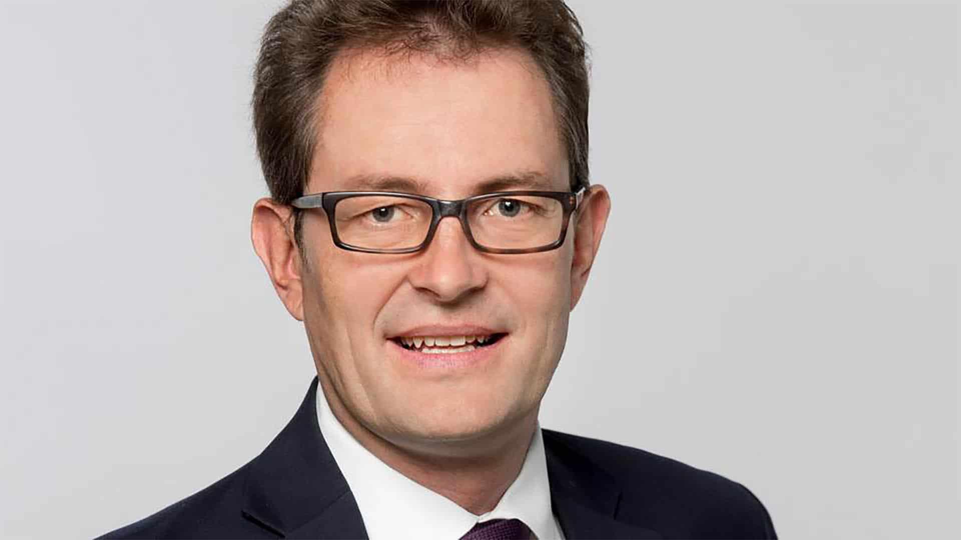Christoph Lütge ist Professor für Wirtschaftsethik und Leiter des Instituts für Ethik in der KI an der Technischen Universität München (TUM)