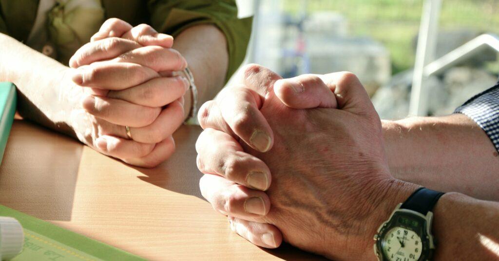 """Nach """"Deutschland betet gemeinsam"""" ruft nun Österreich zu der Aktion """"Österreich betet gemeinsam"""" auf"""
