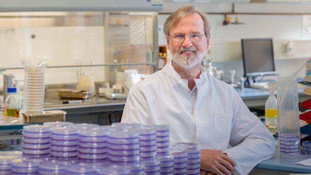 Siegfried Scherer ist Professor für Mikrobielle Ökologie an der Technischen Universität München