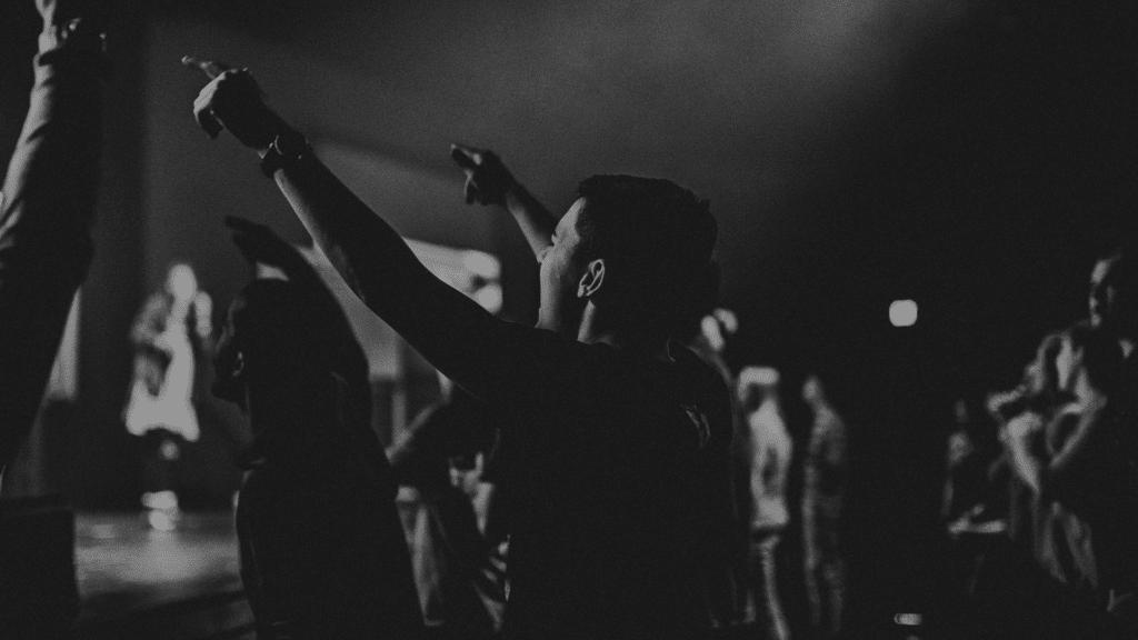 Wegen der Ansteckungsgefahr raten Experten, auf Gesang im Gottesdienst zu verzichten