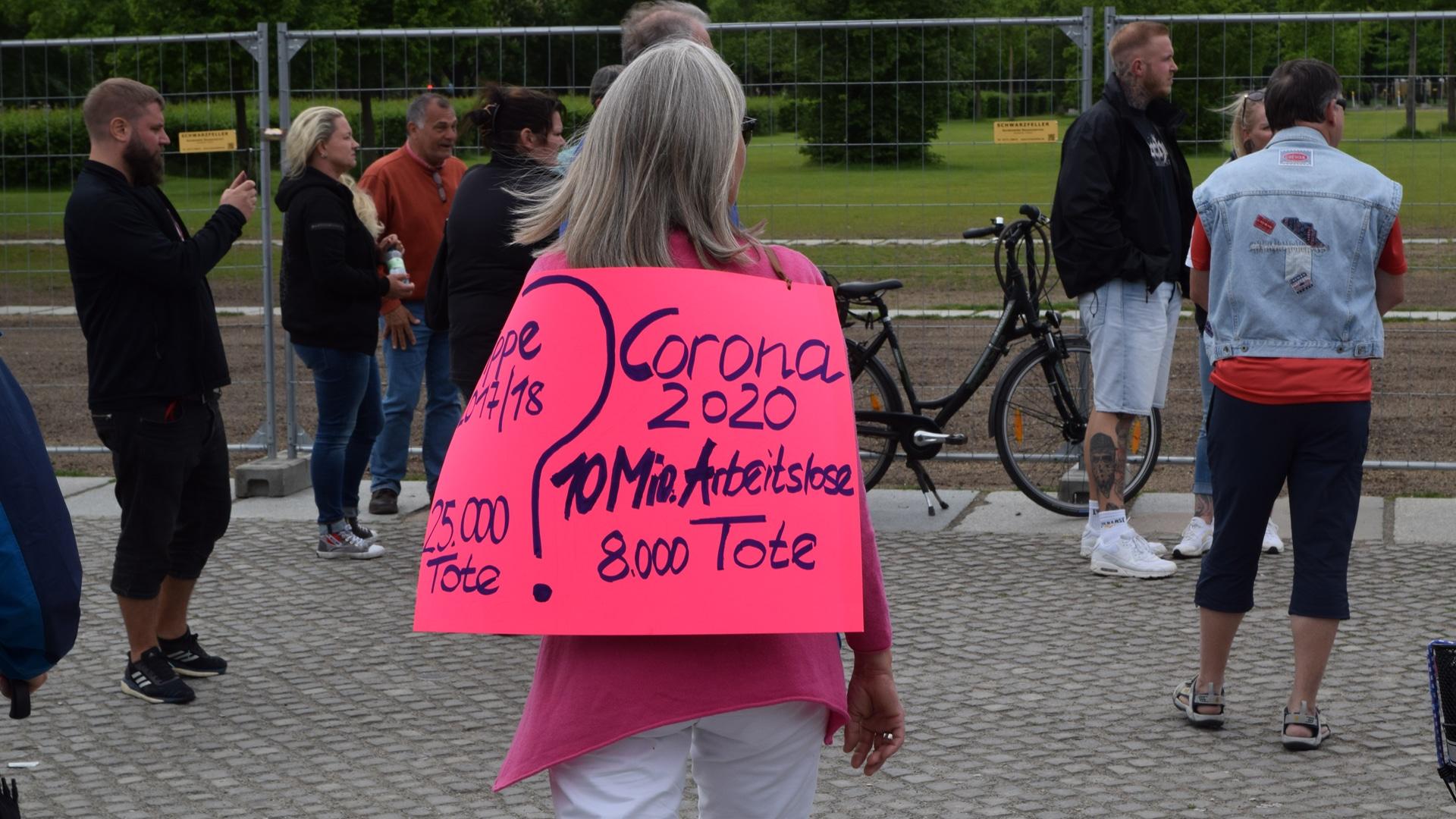 Eine Demonstrantin in Berlin